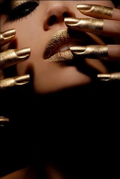 Gold finger tips