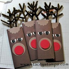 Rudolph wrapped Hershey Bars What a great idea for the kids class christmas gifts! Noel Christmas, Christmas Goodies, All Things Christmas, Winter Christmas, Christmas Paper, Christmas Ideas, Rudolph Christmas, Office Christmas, Homemade Christmas