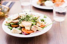 Loimaalainen Lanko on käymisen arvoinen ravintola! Vegan Food, Vegan Vegetarian, Vegan Recipes, Vegan Protein, Cobb Salad, Feta, Cheese, Vegan Sos Free, Vegan Meals