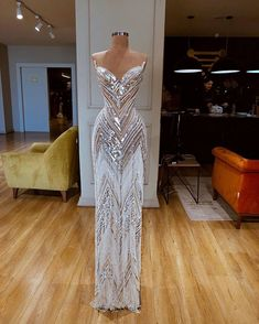 View more beautiful gowns by b… Dresses Beautiful Valdrin Sahiti gown! View more beautiful gowns by browsing Pageant Planet's dress gallery! Gala Dresses, Event Dresses, Pageant Dresses, Formal Dresses, Occasion Dresses, Pretty Dresses, Sexy Dresses, Fashion Dresses, Prom Outfits