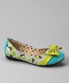 Oh my goodness! If I  wasn't trying to be  good  this  month Raya  would definitely be getting these shoes! :-)