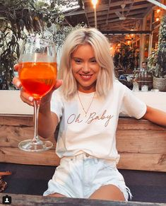 Laura Jade Stone, Fashion Beauty, Girl Fashion, Summer Outfits, Cute Outfits, Summer Clothes, Cool Girl Style, White Shirts Women, Look Vintage