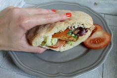 Pita, Hamburger, Sandwiches, Tacos, Ethnic Recipes, Tortilla, Food, Food Cakes, Essen