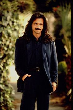 Yanni looks good in anything he wears, but this? YUMMMMM!