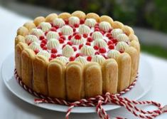 TORT CU IAURT SI FRUCTE Biscuit Cake, Romanian Food, Sweet Cakes, Cheesecake, Deserts, Dessert Recipes, Food And Drink, Cooking Recipes, Vegetarian