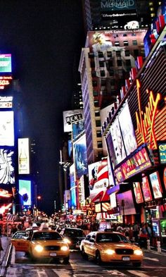 #times #square #new #york #usa #united #states #broadway Attraction Tickets, Best Rated, Discovery, Rome, Traveling By Yourself, Dubai, Times Square, Stuff To Do, Broadway