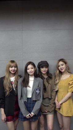 Blackpink in your arena Kpop Girl Groups, Korean Girl Groups, Kpop Girls, Black Pink Lalisa Manoban, Blackpink Fashion, Korean Fashion, Blackpink Poster, Mode Kpop, Jennie Kim Blackpink