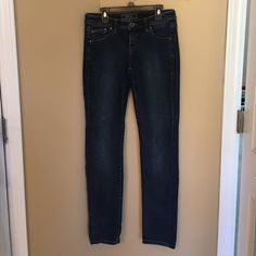 Dark Tommy Bahama skinny jeans Great fit, soft jean. Dark colored. Worn once Tommy Bahama Jeans Skinny