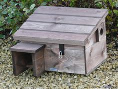 """Képtalálat a következőre: """"diy hedgehog house dimensions"""" Hedgehog House Plans, Outdoor Projects, Wood Projects, Hedgehog Cage, Wildlife Protection, Bug Hotel, Pet Cage, Nesting Boxes, Cute Little Things"""