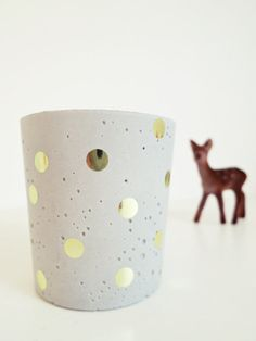 Beton-Teelichthalter Gold-Konfetti Dots von Ahoj2012 auf Etsy