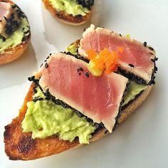 Tuna tataki with wasabi avocado mash #tataki #tuna #crostini #wasabi #avocado #instafood #foodstagram by wikicookjoyce
