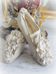 Victorian bride shoes in kid leather from the 1800's