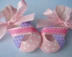 SALE PDF ePattern Crossover Baby Shoes by preciouspatterns