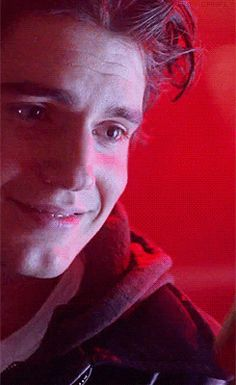 awww young Henry gif.  That's one killer smile!!
