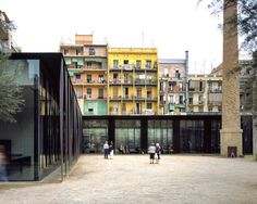 Sant Antoni – Joan Oliver Library, Senior Citizens Center and Cándida Pérez Gardens, 2007, Barcelona, Spain. Photo Eugeni Pons