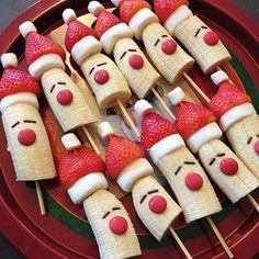 christmas food 10 Healthy Christmas Snacks that are perfect for your childs school party, or any festive occasion this holiday season. No sugar in these healthy Christmas snacks your little ones will love. Best Christmas Recipes, Christmas Snacks, Christmas Brunch, Xmas Food, Christmas Breakfast, Christmas Cooking, Holiday Treats, Christmas Fun, Holiday Recipes