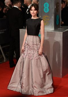 Pin for Later: Wer trug was bei den BAFTA Awards? Felicity Jones in Dior