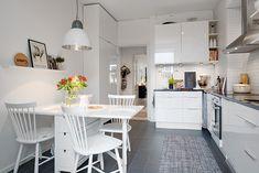 http://www.lovingit.pl/blog/89-m2-skandynawskiego-uroku-w-aranzacji-przytulnego-mieszkania-z-dwoma-balkonami/