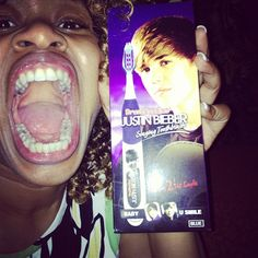 GloZell and her JB toothbrush!