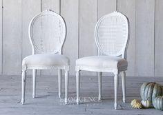 www.eloquenceinc.com DCVM5501 Vintage Dining Chairs Circa: 1940