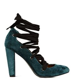 A luxurious green velvet beauty. Trudie by Reiss