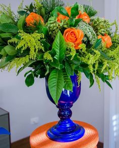 """Fabi Borgheresi Eventos (@fabiborgheresi) no Instagram: """"#arranjofloral em tons de verde e laranja para um #chadebebe produção @lemondecolorebr…"""""""