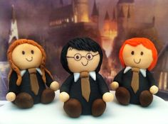 Sugar Harry Potter Ron and Hermione Fondant Cake by craftyrosy, $18.00