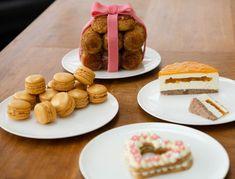 """Céline Nta on Instagram: """"Merci à @gloria.nta pour ces 2 jolies photos de mes gâteaux! 😍 #love #instagood #happy #photooftheday #picoftheday #beautiful #friends…"""" Celine, Le Jolie, Pudding, Friends, Desserts, Beautiful, Instagram, Food, Nice Photos"""