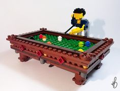 LEGO Miniland Snooker (via marcosbessa)