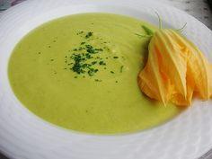 Zucchinisuppe à la Alex, ein schönes Rezept aus der Kategorie Kochen. Bewertungen: 117. Durchschnitt: Ø 4,4.