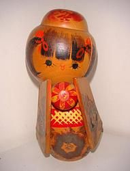 Sousaku Kokeshi af Tamura  #kokeshi #dukker #japan #japanske_dukker Til salg / for sale at   mariannepetersen.wix.com/kokeshi
