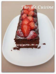 Salam Alaykom, L'un de mes gâteaux préférés, il est frais pour un gâteau au chocolat grâce aux fraises, moelleux. Un véritable régal, il se mange sans faim ... la recette de gateau est tirée d'un groupe fb de chef chouaib que je le remercie bcp Ingrédients:...