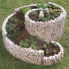 Mauergestaltung gabionen mauern pinterest for Gartenteich aus reifen