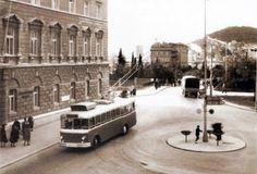 Trolejbus na kružnom toku pred Biskupskom palačom - godina Public Transport, Old Photos, Automobile, Street View, World, Buses, Trains, Old Pictures, Car