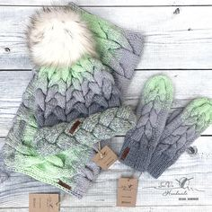 655 отметок «Нравится», 24 комментариев — Вязаные Вещи Ручной Работы (@sava_handmade) в Instagram: «Зимний комплект из мериноса в наличии✨ Заказать: ➡️в what's app/viber +7(985) 361-78-89 или на…» Crochet Gloves, Crochet Beanie, Crochet Baby, Knitted Hats, Knit Crochet, Knitting For Kids, Free Knitting, Baby Knitting, Knitting Patterns