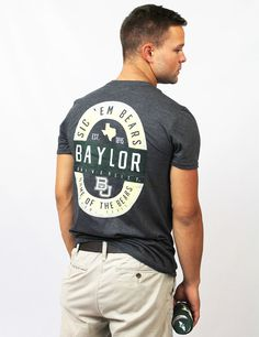 Every Baylor fan needs to show off their pride with this SIC 'EM BEARS tee!