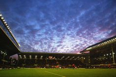 (Soccer) A general view of Goodison Park during the FA Barclaycard Premiership match between Everton and Wolverhampton Wanderers on November 22, 2003 at Goodison Park in Liverpool, England. Everton won the match 2-0. (Photo by Gary M. Prior/Getty Images)