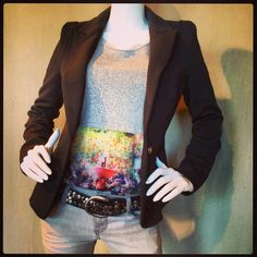 Blazer €49,99 Shirt €29,99 Stretch broek €34,99 Riem €14,99 @fratellosemmen