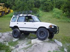 Check out latest JACKEDROVER 1996 Land Rover Discoveryin Lutz, FL Photo Gallery and modification pictures at CarDomain Land Rover Discovery 1, Discovery 2, Discovery Channel, Range Rover Evoque, Range Rovers, Jim Morrison Movie, Funny Movies, 4x4, Photo Galleries