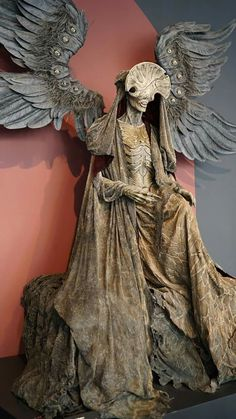 """Angel of Death statue from """"Hellboy 2 The Golden Army"""" Awesomesauce"""