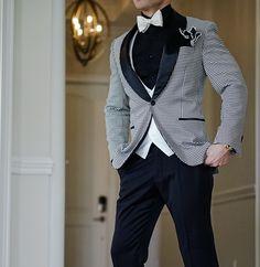 Want A Unique Look? Jasper Canino Dinner Jacket Look. #sebastiancruzcouture