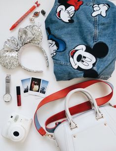 Ahhhh I have these Minnie ears! Cute Disney Outfits, Disneyland Outfits, Disney Inspired Outfits, Disneyland Trip, Disney Style, Disney Trips, Disney Love, Disney Parks, Cute Outfits