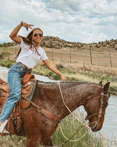 Cute Cowgirl Outfits, Country Style Outfits, Southern Outfits, Rodeo Outfits, Country Fashion, Western Outfits, Cute Outfits, Rodeo Clothes, Cute Horse Pictures