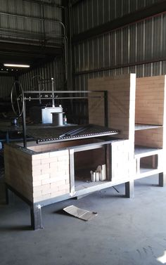 Another Fire Table Grill under construction, this one combines a deep firebox grill, and a smoker. Brick Grill, Wood Grill, Argentine Grill, Kitchen Grill, Wood Fired Oven, Fire Table, Barbacoa, Outdoor Cooking, Firewood