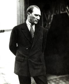 Find images and videos about from turkey and mustafa kemal atatürk on We Heart It - the app to get lost in what you love. Turkish Army, Moda Emo, Celebrity Wallpapers, Great Leaders, Historical Pictures, Iron Age, Suits You, Revolutionaries, Beautiful People