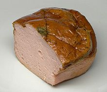 How to make the popular German Leberkaese? Here is the recipe: German Leberkaese Recipe or Fleischkaese is a Southern German Meat specialty that has become famous all over the world. Eat it warm or cold. Kind of like a bologna or mystery meat Leberkaese Recipe, Austrian Recipes, German Recipes, Sausage Recipes, Cooking Recipes, Charcuterie, Tapas, Quiches, Gastronomia