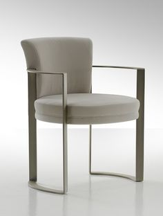Homebuildlife: Margutta Table & Ripetta Chair by Fendi Casa Steel Furniture, Dining Furniture, Cool Furniture, Modern Furniture, Furniture Design, Office Furniture, Furniture Ideas, Luxury Chairs, Single Chair