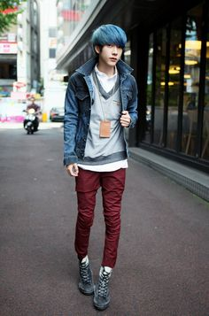 Imagem de boy boys and grunge kawaii japanese boysor not. Japanese Street Fashion, Tokyo Fashion, Harajuku Fashion, Kawaii Fashion, Mens Fashion, Fashion Outfits, Street Fashion Boys, Casual Male Fashion, Style Fashion