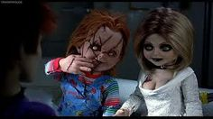 Chucky Photo: Chucky and Tiffany Funny Spanish Memes, Spanish Humor, Funny Memes, Halloween Profile Pics, Halloween Pictures, Childs Play Chucky, Bride Of Chucky, Mexican Memes, My Kind Of Love