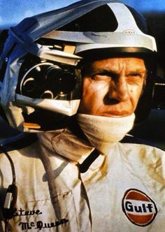 "Steve McQueen ready for filming with a heavyweight version of a GoPro camera taped to his helmet on the set of the 1971 movie ""Le Mans"". Steve Mcqueen Le Mans, Steve Mcqueen Style, Steven Mcqueen, Jackie Stewart, Steeve Mac Queen, Le Mans 24, La Mans, Vintage Racing, Vintage Helmet"
